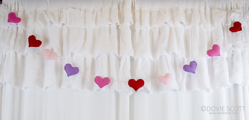 felt heart banner instructions