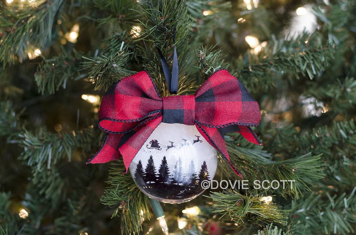 DIY Christmas Ornament Farmhouse