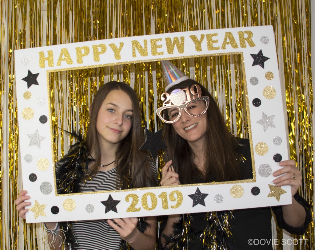 DIY New Year's Photo Booth Picture Frame