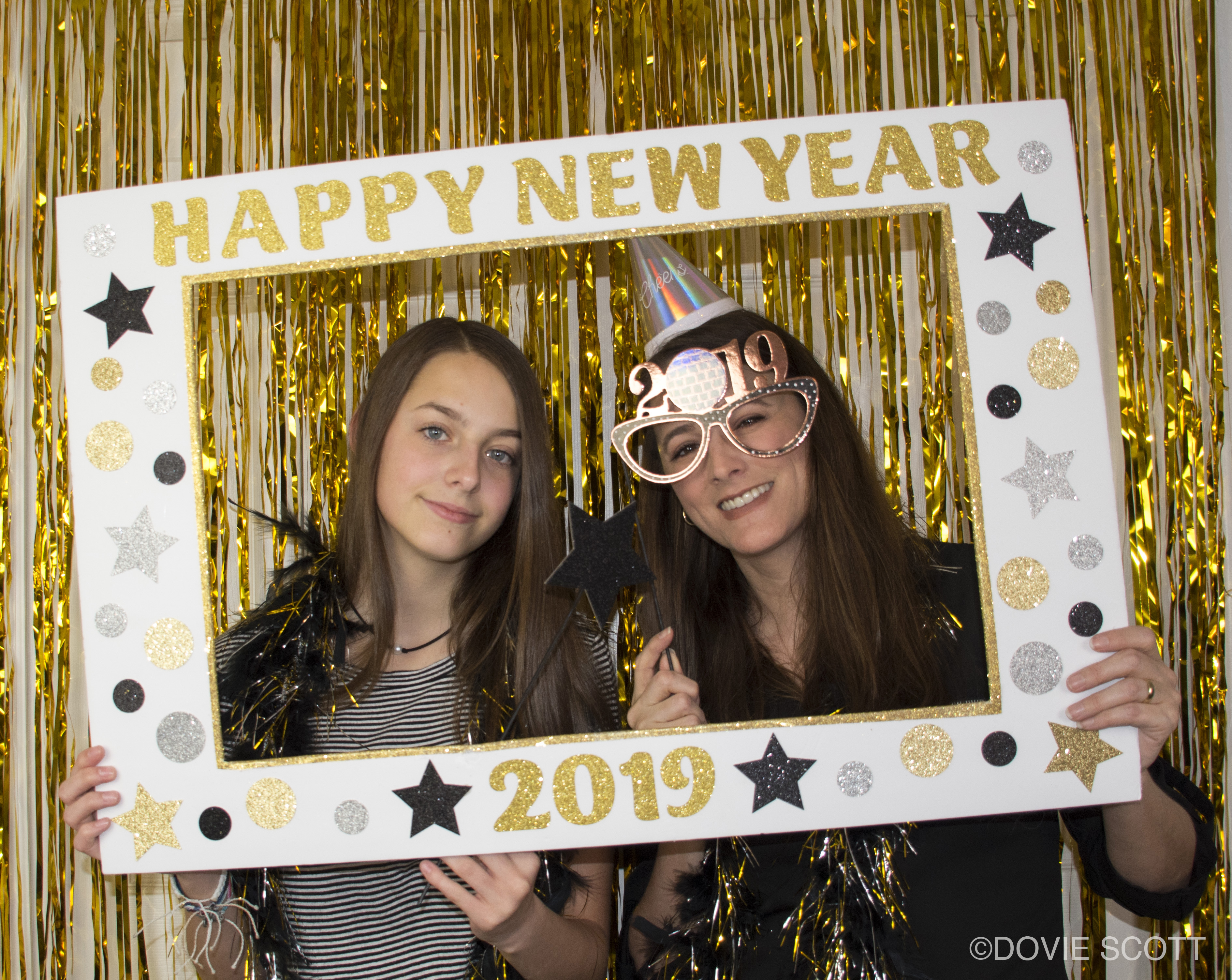 Diy New Year S Photo Booth Picture Frame Dovie Scott